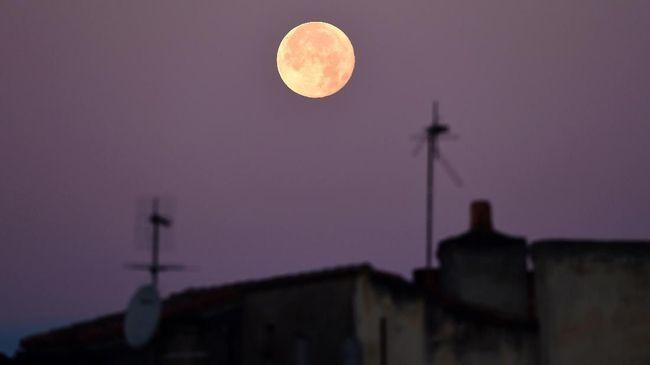 Berikut alasan mengapa terjadi bulan purnama super dengan sebutan Super Pink Moon malam ini.