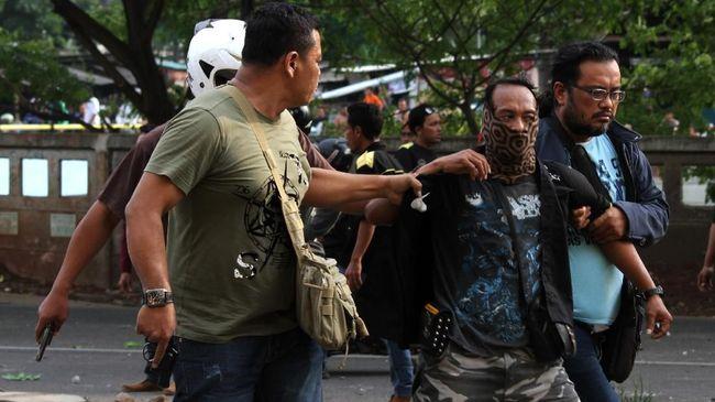 Rusuh Aksi GMBI di Pemkot Bekasi, 16 Orang Terluka