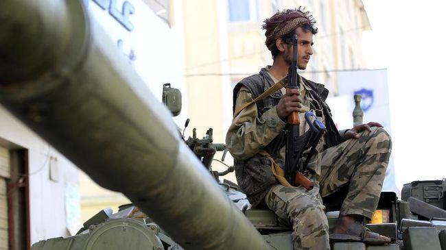 Pemberontak Houthi di Yaman kembali menyerang kilang minyak Arab Saudi dengan drone serta rudal.