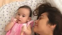<p>Cantikan mana ya, Bunda Alexandra atau Carle? (Foto: Instagram/@got_alex)</p>