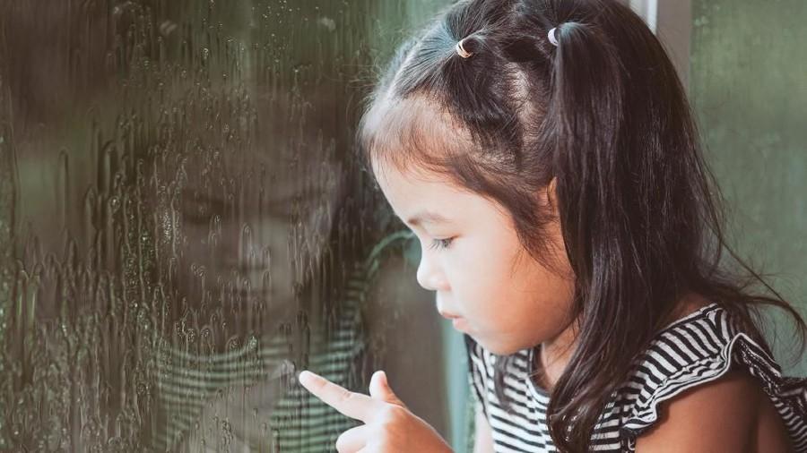 Curhat Anak Kelas 2 SD yang Sebal pada Handphone Ibunya