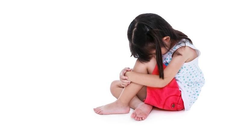 Ketika salah satu orang tuanya selingkuh, anak bisa ikut menanggung bebannya. Kasihan...