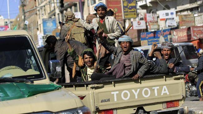 Pemberontak Houthi di Yaman meluncurkan serangan drone bersenjata ke Bandara Internasional Abha, Arab Saudi.