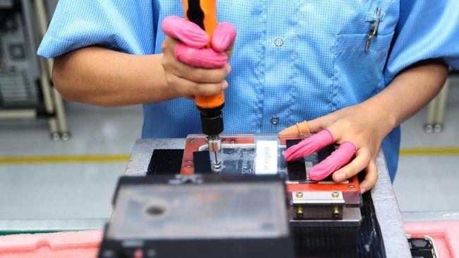 Pabrik elektronik Indonesia Sat Nusapersada dipilih oleh pabrik utama iPhone di Taiwan untuk memproduksi set top box yang akan diekspor ke AS.