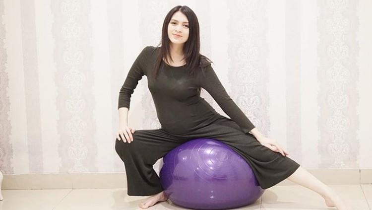 Setiap kehamilan itu berbeda sehingga pasti punya cerita sendiri-sendiri. Nah, ini cerita kehamilan aktris cantik Donita.