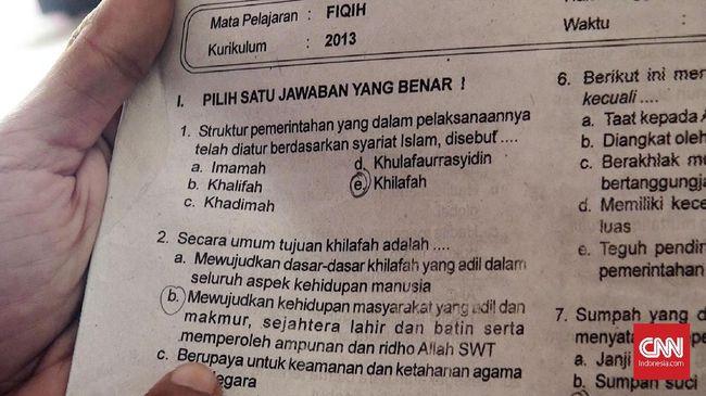 Kementerian Agama merombak 155 judul buku pelajaran agama dari tingkat SD hingga SMA yang kontennya dianggap bermasalah, termasuk soal khilafah.