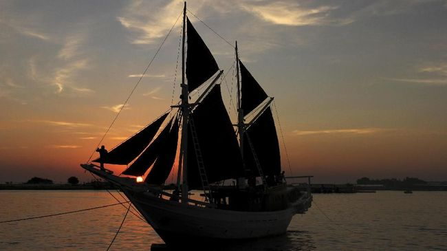 UNESCO resmi menetapkan teknik membuat perahu Pinisi asal Sulawesi Selatan sebagai warisan budaya takbenda dunia.