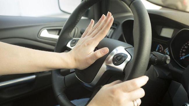 Mobil pribadi masih menjadi alternatif bagi sebagian masyarakat untuk menghabiskan waktu libur. Pengecekan ringan membuat kondisi mobil lebih prima.