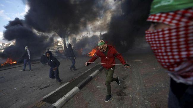 Pengamat Timur Tengah menegaskan konflik yang terjadi di Palestina merupakan konflik politik, bukan agama atau ras.