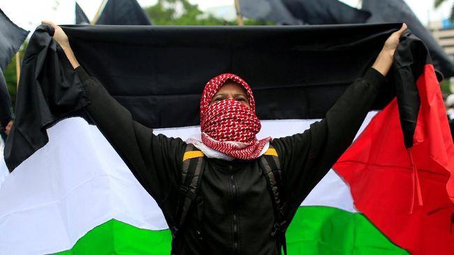 FPI menyebut aksi yang diinisiasi MUI itu adalah bentuk pengabdian untuk membantu saudara se-aqidah di Palestina dari cengkeraman zionis Israel.