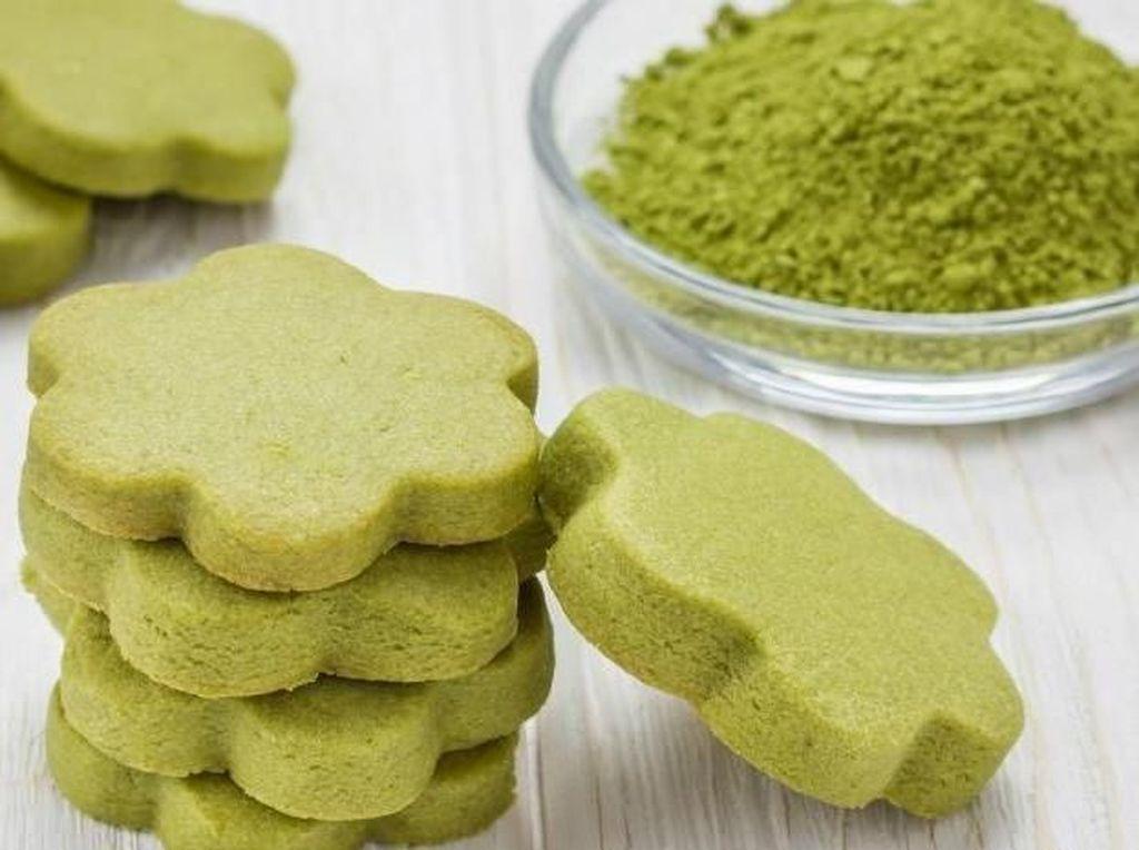 Populer dengan teh hijaunya, Jepang punya kue khas matcha cookies. Kue ini punya rasa dan aroma teh hijau yang khas dan menggoda. Cocol pakai es krim vanilla! Foto: Istimewa