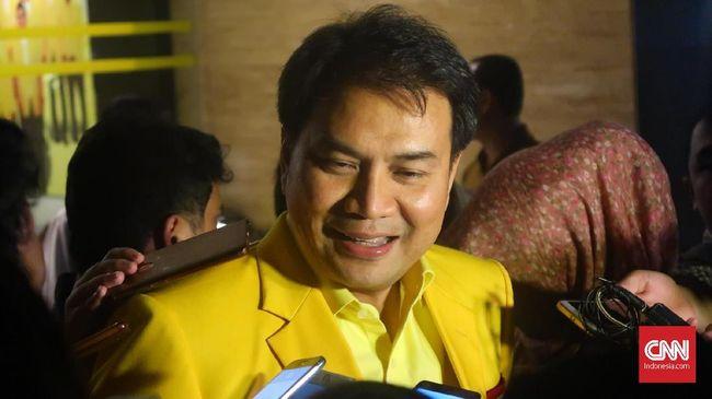 KPK resmi mengumumkan penetapan Wakil Ketua DPR Azis Syamsuddin sebagai tersangka kasus suap terkait pengurusan DAK Kabupaten Lampung Tengah tahun 2017.