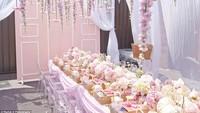 <p>Lihat deh, girly banget ya dekorasi pesta ulang tahun Lola.</p>