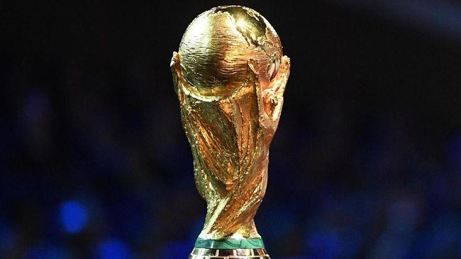 Transmedia menjadi pemegang hak siar Piala Dunia 2018. Seluruh laga Piala Dunia 2018 nantinya bisa dinikmati melalui Trans TV, Trans 7, dan Transvision.