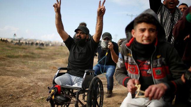 Ibrahim Abu Thurayeh, 29 tahun, difabel yang kehilangan kedua kakinya setelah serangan Israel pada 2008, tewas dengan luka tembak di kepala Jumat (15/12).