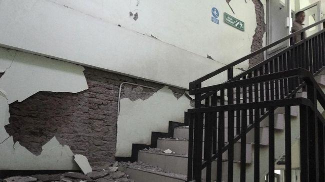 Dinas Pendidikan Kabupaten Garut, Jabar melaporkan ada delapan bangunan SD yang rusak setelah diguncang gempa pada Jumat (15/12) malam.