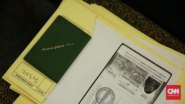 Indonesia adalah salah satu negara yang cukup ketat mengawasi kondisi paspor.