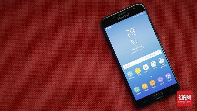 Samsung memboyong fitur kamera ganda untuk ponsel kelas menengah, Galaxy J7+. Sejauh apa performanya?