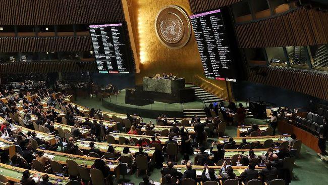 Presiden El Salvador, Nayib Bukele, berswafoto sebelum berpidato di dalam Sidang Umum PBB di New York, Amerika Serikat.