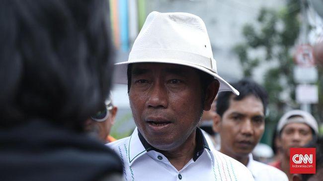 Ketua DPP PAN Abraham Lunggana alias Lulung menilai pemerintahan Jokowi terlalu berlebihan alias lebay memantau media sosial CPNS.