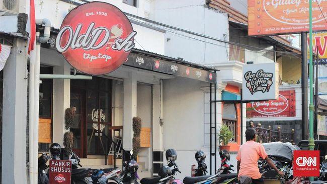 Kedai es krim tip top bertahan selama lebih dari 80 tahun, hingga menjadi salah satu ikon Yogyakarta. Sempat berubah nama, namun rasanya tetap sama.