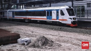 Dinding <i>Underpass</i> Ambrol, Kereta Api Bandara Disetop