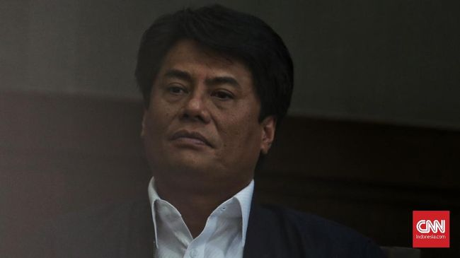 Menteri Badan Usaha Milik Negara (BUMN) Rini Soemarno mencopot Direktur Utama PT Pertamina (Persero) Elia Massa Manik.