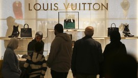 Louis Vuitton Kembali Gelar Fashion Show Fisik di China