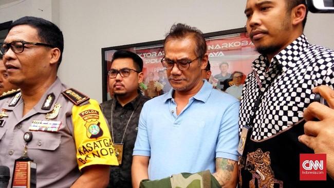 Tio Pakusadewo Divonis 1 Tahun Penjara Kasus Narkoba