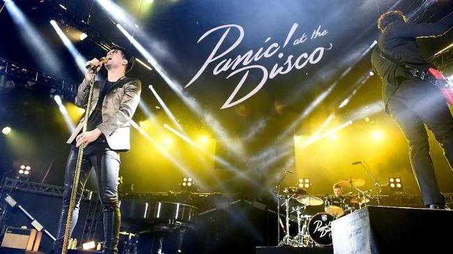 Panic! At The Disco merilis lagu metal demi mengumpulkan donasi untuk amal dengan menggandeng kawan-kawannya di Fall Out Boy dan Twenty One Pilots.