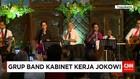 Menteri Kabinet Kerja Bermain Musik di Acara Nikahan