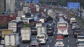 Banjir, Kendaraan Dialihkan dari Dalam Jalan Tol Japek