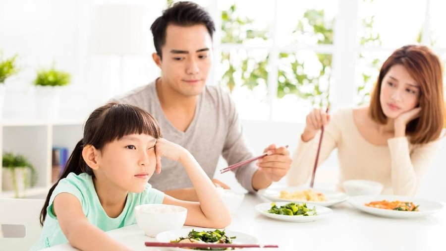 5 Kebiasaan Makan Ini Perlu Banget Kita Tanamkan pada Anak