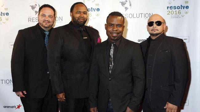 Meski sudah tak lagi berjaya, grup musik era 90-an All-4-One yang terkenal akan lagu 'I Swear' berjanji akan terus bernyanyi selama para penggemar meminta.