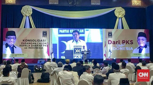Direktur Pencapresan PKS Suhud Alynudin menyatakan opsi abstain dalam Pilpres 2019 bukan sikap resmi partai, justru itu adalah pandangan pribadinya.