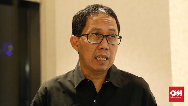Pengamat sepak bola mengatakan penangkapan Joko Driyono merupakan pukulan telak bagi sepak bola Indonesia.