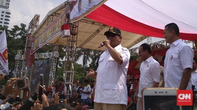 Prabowo meminta massa memenangkan dulu Edy Rahmayadi sebagai Gubernur Sumut sebelum bicara soal pemilihan presiden tahun depan.