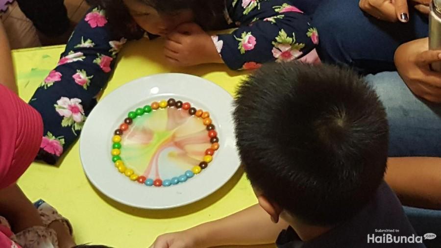 Mumpung Libur, Yuk Bikin Percobaan Membuat Pelangi Bareng Anak
