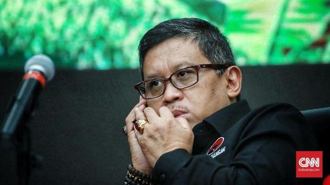 Sekjen PDIP Hasto menyarankan agar kubu Prabowo-Sandiaga dapat memberikan solusi kebijakan alternatif terbaik jika tak puas terhadap kebijakan pemerintah.