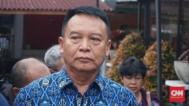 Anggota Komisi I DPR TB Hasanuddin menduga KRI Nanggala tenggelam akibat gagal retrofit atau perbaikan pada tahun 2012.