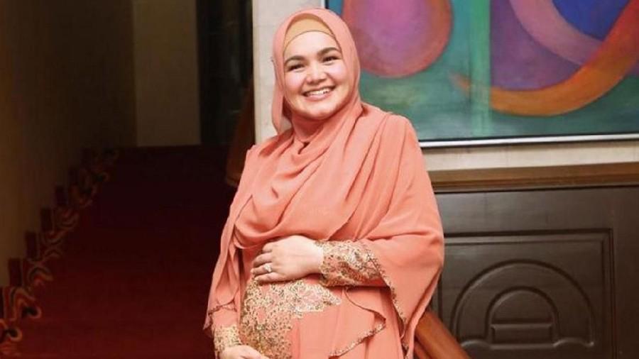 Kaki Siti Nurhaliza Bengkak Saat Hamil, Bunda Juga Mengalami?