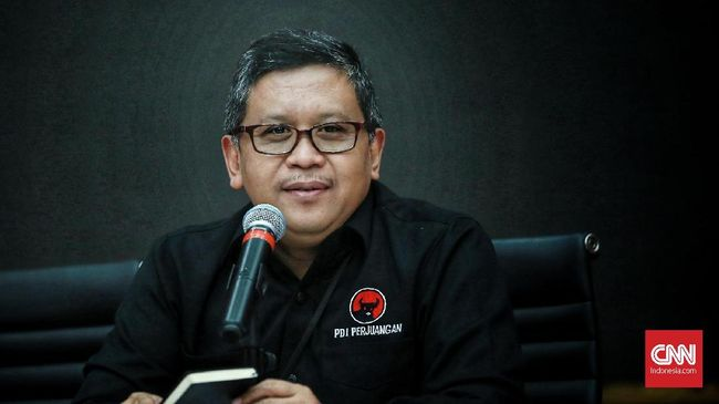 Walau sudah beredar kabar dua stafnya ikut diamankan dalam OTT yang juga menjerat komisioner KPU, Sekjen PDIP Hasto mengaku menunggu kepastian KPK.