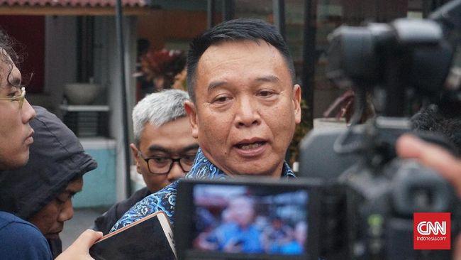 Anggota Komisi I DPR RI TB Hasanuddin menilai bentrok TNI-Polri di Papua melukai hati rakyat. Dia meminta insiden itu tak terulang kembali.