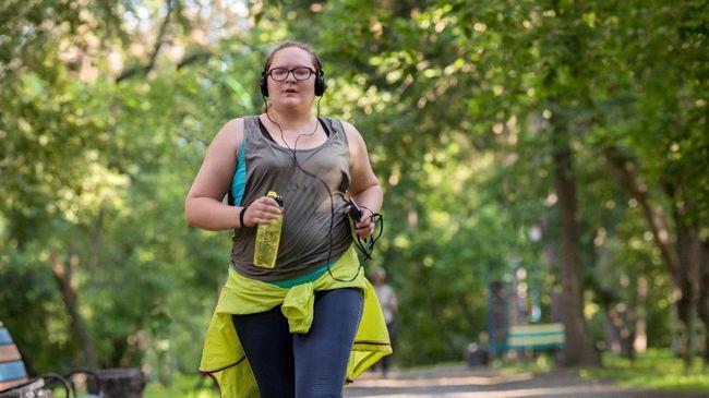 Alex Brown seorang perempuan berusia 25 tahun selalu merasa lapar setiap saat karena kondisi kesehatannya yang disebut prader-willi sindrom.