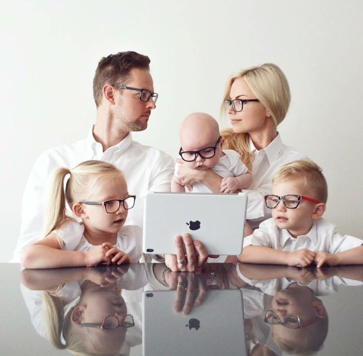 <p>Foto keluarga yang luar biasa kompak. (Foto: Instagram/kweilz)</p>