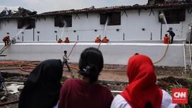 FOTO: Upaya Pemadaman Kebakaran Museum Bahari
