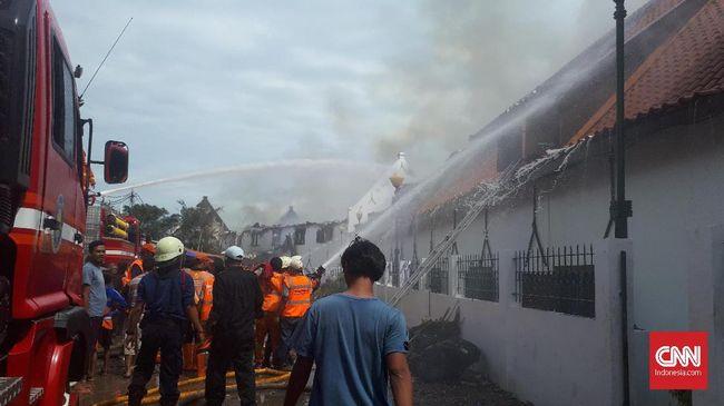 Sejauh ini belum ada laporan terkait korban akibat kebakaran Museum Bahari karena museum tersebut terbakar saat pengunjung belum ada yang datang.