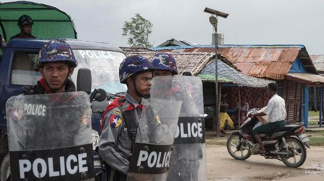 Sebanyak 12 polisi di Kanpetlet negara bagian Chin, Myanmar, membelot dan memilih bergabung dengan gerakan pembangkangan sipil (CDM).