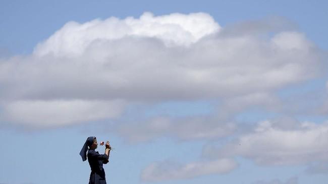Pada foto-foto unik pilihan CNNIndonesia.com pekan ini, ada karya seni di museum Tate London serta koleksi busana musim gugur dan dingin untuk pria.