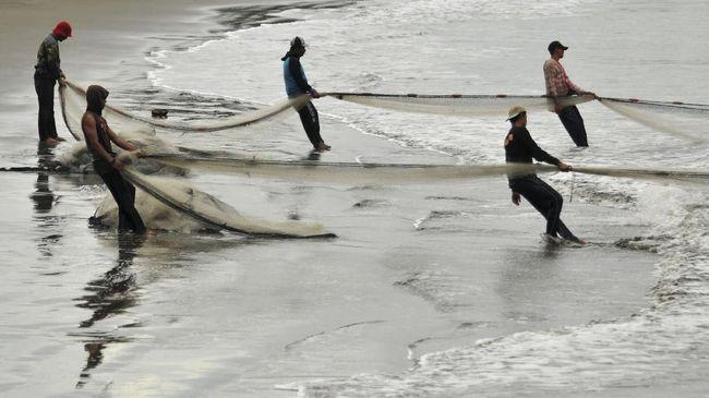Menteri Kelautan dan Perikanan Sakti Wahyu Trenggono ingin mendapatkan masukan dari semua pihak terkait penggunaan cantrang yang kembali diizinkan.